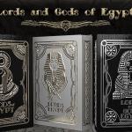 Naipes LORDS AND GODS OF EGYPT. Lo divino y lo terrenal en tres fantásticas barajas.